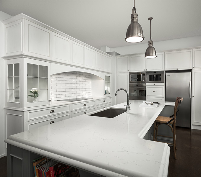 7 Must Haves For A Hampton Style Kitchen