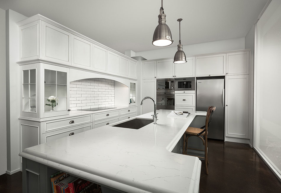7 Must-Haves For A Hampton Style Kitchen