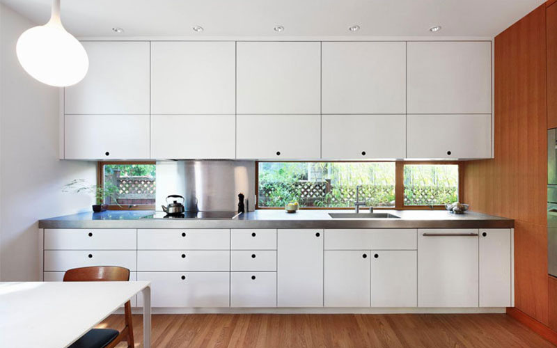 Bright Minimalist Kitchen