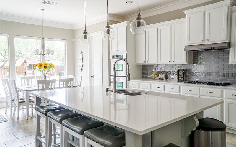 Clutter-free Minimalist Kitchen